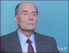 Comment François Mitterand annonce-t-il sa candidature à sa propre succession en 1988 ?