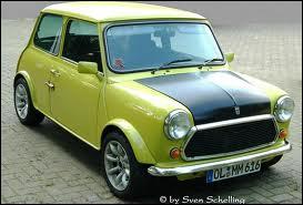Qui pilote cette Mini Cooper ?