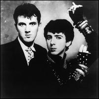 Leur premier grand tube fut 'Tainted Love', une reprise de Gloria Jones (1964).