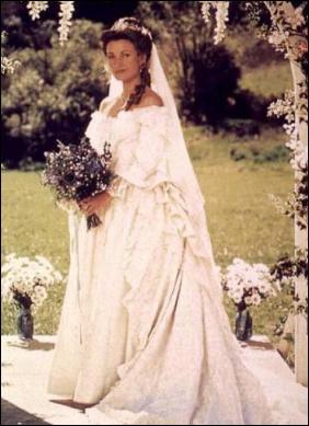 Avec qui Michaela se marie-t-elle ?