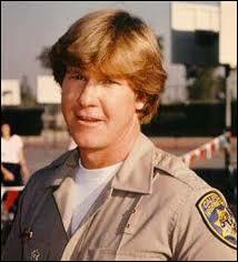 Qui est ce motard de la police autoroutière de Californie ? ('Chips' - 1977)