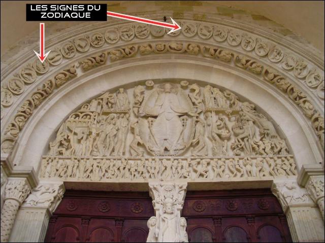 Cliquez pour avoir un agrandissement de l'image : observez ce tympan et dites à quelle célèbre cathédrale il appartient :