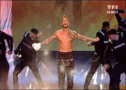 Avec quel titre de ''Mise à jour'' a-t-il remporté l'Award de la chanson francophone de l'année ? (NMA 2011)