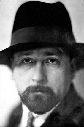 En souvenir de ce grand homme, on décerne chaque année le prix ''Albert-Londres'' qui récompense...