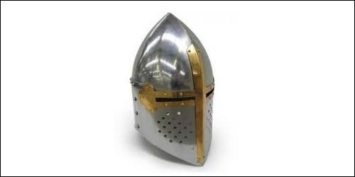 Comment appelait-on le casque des chevaliers ?