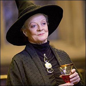 Qui joue Professeur McGonagall ?