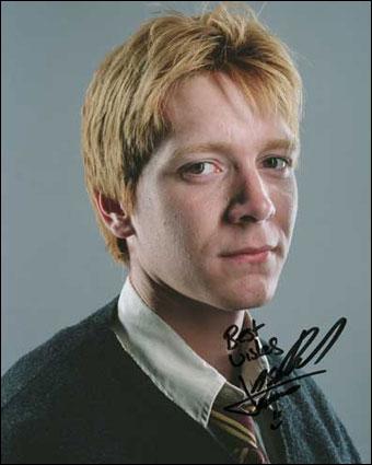 Qui joue Fred Weasley ?