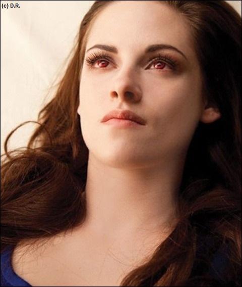 Comment Bella devient-elle un vampire ?