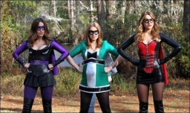 Haley , Brooke et Quinn se déguisent en super héros , comment s'appelle Haley ?