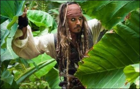 Qui joue le rôle du célèbre capitaine Jack Sparrow ?