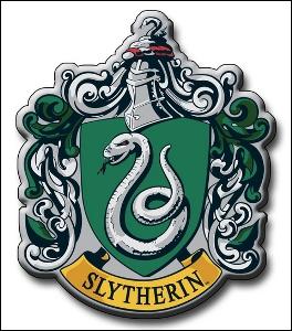 Qui est préfet des Serpentard l'année où Lily rentre à Poudlard ?
