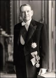 Qui a été Président de la République avant Charles de Gaulle jusqu'en 1959 ?