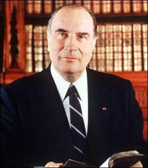 François Mitterrand est mort à l'âge de 80 ans...