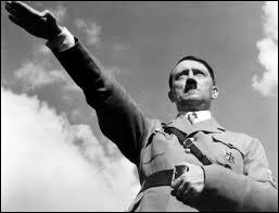 Adolf Hitler (1889 / 1945) s'est suicidé avant que Berlin ne tombe aux mains des Soviétiques. Son corps est inhumé à...