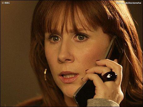 Dans la saison 4, qu'arrive-t-il à Donna pour qu'elle ne soit plus avec le docteur ?