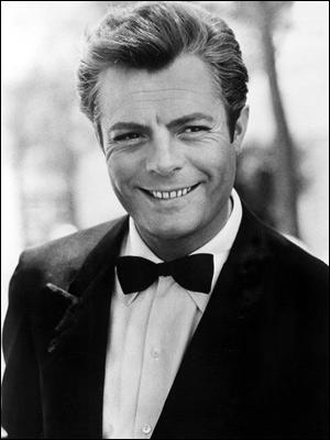 Travailler avec lui est une joie. Délicat, disponible, intelligent, il prend possession de ses personnages sur la pointe des pieds  (Federico Fellini). Marcello Mastroianni n'a pas joué dans :