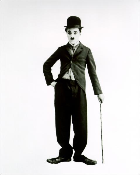 Il est toujours resté en contact direct avec l'enfance. Cette innocence est la magie et la clé de son succès  (Billy Wilder). Charlie Chaplin n'a pas joué dans :