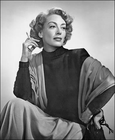 Le premier mot qui m'est venu à l'esprit quand je l'ai vu, c'est glamour (James Stewart). Joan Crawford n'a pas joué dans :