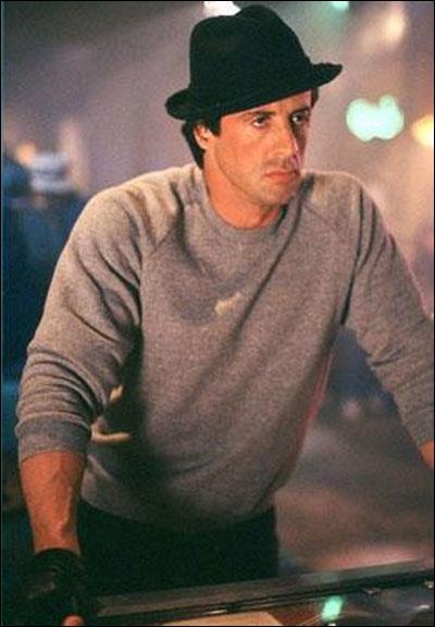 Le type pauvre qui devient un héros : le rêve américain en action . (Francis Ford Coppola) Sylvester Stallone n'a pas joué dans :