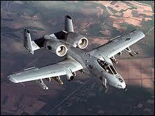 Cet avion, bien qu'il ressemble à un bombardier, est bel est bien un chasseur. Mais lequel ?
