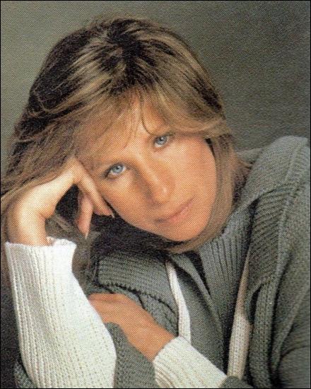 C'est une légende vivante qui a réinventé les canons de la beauté féminine, une vraie diva . (Jeff Bridges) Barbra Streisand n'a pas joué dans :