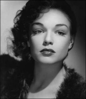 C'était une reine. Elle a sorti la France de ses gonds en la faisant internationale . (Marguerite Duras) Simone Signoret n'a pas joué dans :