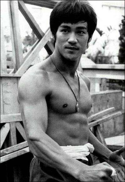 Des jeunes me disent avoir accroché des posters de Rocky et Rambo dans leurs chambres. Moi j'accrochais des posters de Bruce Lee . (Sylvester Stallone) Bruce Lee n'a pas joué dans :