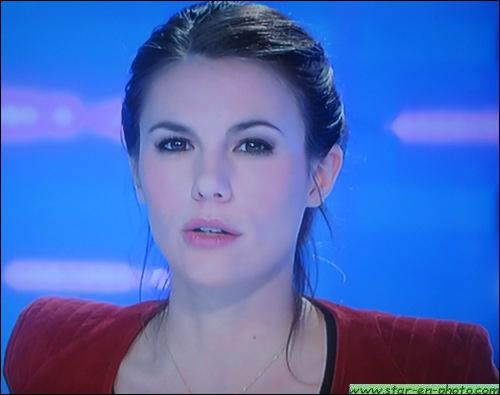 Qui est cette belle présentatrice du JT de midi, sur Canal+ depuis 2009 ?