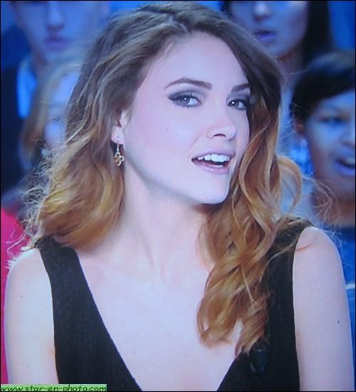 Passée du mannequinat à la météo de Canal+, en un éclair, cette belle présentatrice s'appelle... ?