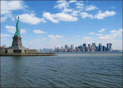 Sur quel îlot la Statue de la Liberté a-t-elle été érigée ?