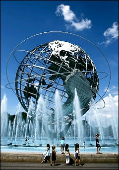 Dans quel parc new-yorkais, haut lieu du tennis américain, peut-on admirer l'  Unisphere  ?