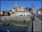 Je pars à Périgueux ( 24 ) où les habitants portent le nom de Périgourdins et Périgourdines.