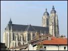 Je vous emmène à Saint-Nicolas-de-Port ( 54 ) où les habitants se nomment les Portois et les Portoises.