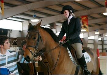 Comment s'appelle le cheval d'Asheley ?