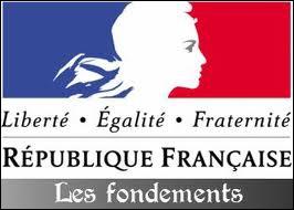 En novembre 1799, un nouveau régime politique fut institué en France. Lequel ?