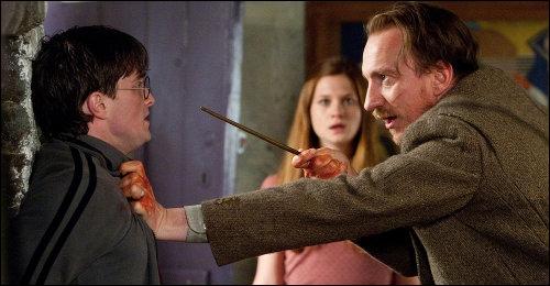 Pour savoir si Harry n'est pas un traître, Remus lui pose une question, laquelle ?
