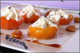 Des  abricots à la Condé , ce sont des abricots pochés au sirop léger et
