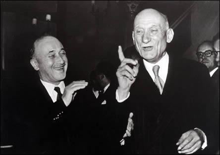Le premier traité d'union économique signé en 1951 entre 6 états européens s'appelle: (photo :Jean Monnet et Robert Schuman, les deux initiateurs de ce projet)