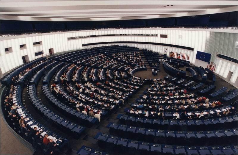 Parmi ces affirmations, l'une est fausse : (photo:le parlement européen)