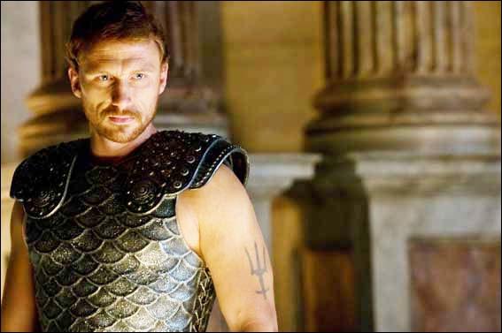 Je suis Poséidon dans  Percy Jackson : le voleur de foudre  de Chris Colombus, dans  Grey's Anatomy  je suis ...