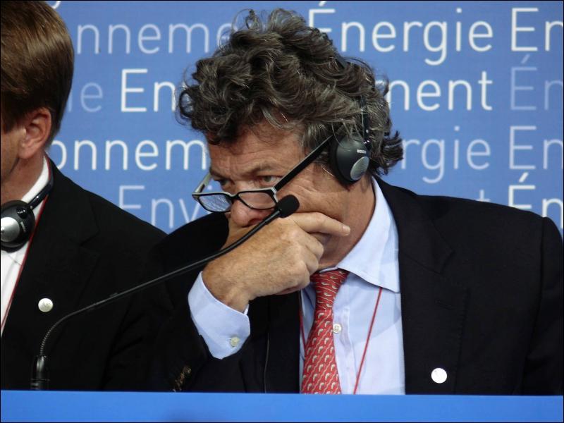 Où Jean-Louis Borloo a-t-il été pressenti avant qu'il n'annonce sa candidature aux élections législatives dans le Nord le 22 février ?