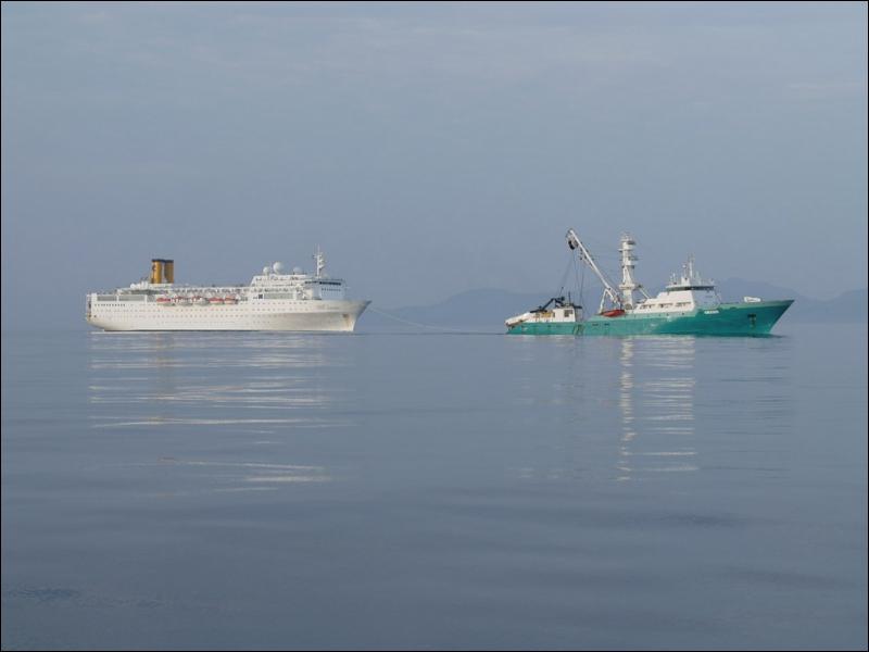Après le naufrage du Costa Concordia, quel paquebot de la compagnie Costa Croisière a dérivé dans l'océan Indien après l'incendie de ses moteurs ?