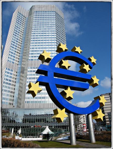 Pour éviter un  credit crunch , la BCE a prêté 530 milliards d'euros à 800 établissements européens le 29 février. A quel taux ?