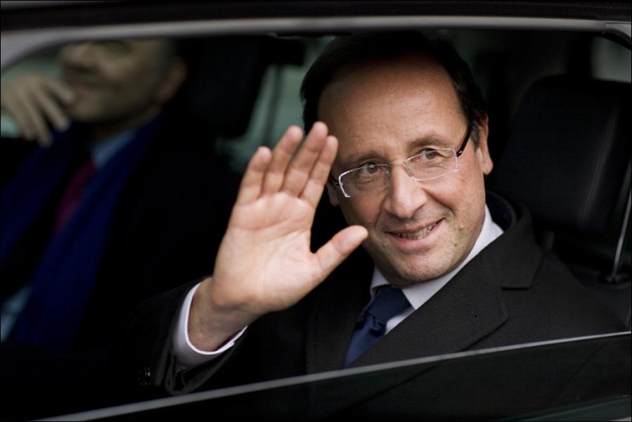 François Hollande a proposé le 27 février de créer une tranche supplémentaire de l'impôt sur le revenu avec un taux de 75% appliqué aux revenus mensuels supérieurs à…