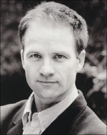 Quel acteur l'interprète quand il est adulte ?