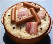 Ce plat d'Alsace si célèbre ! La choucroute se prépare avec :