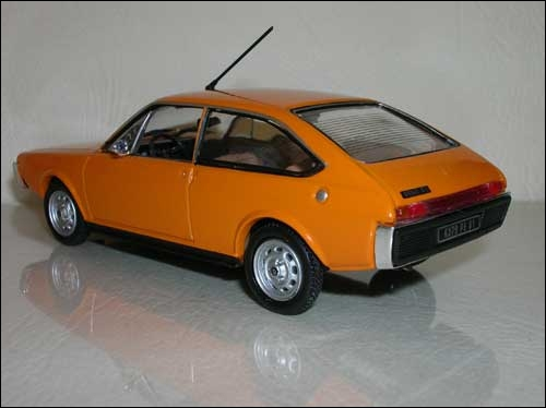 Voiture jumelle de la Renault 17.