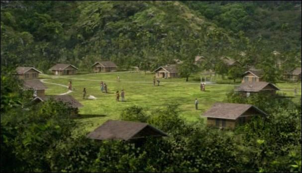 Liste noire  : Qui est abandonné par Locke dans une maison des baraquements ?