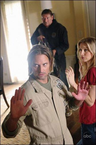 Suivez le guide  : Quel est le deal pour que Sawyer et Juliet disent où sont les Autres ?