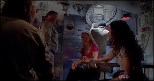Au bout du voyage Partie 1  : Qui retrouve Kate, Juliet et Sawyer sur la plage ?